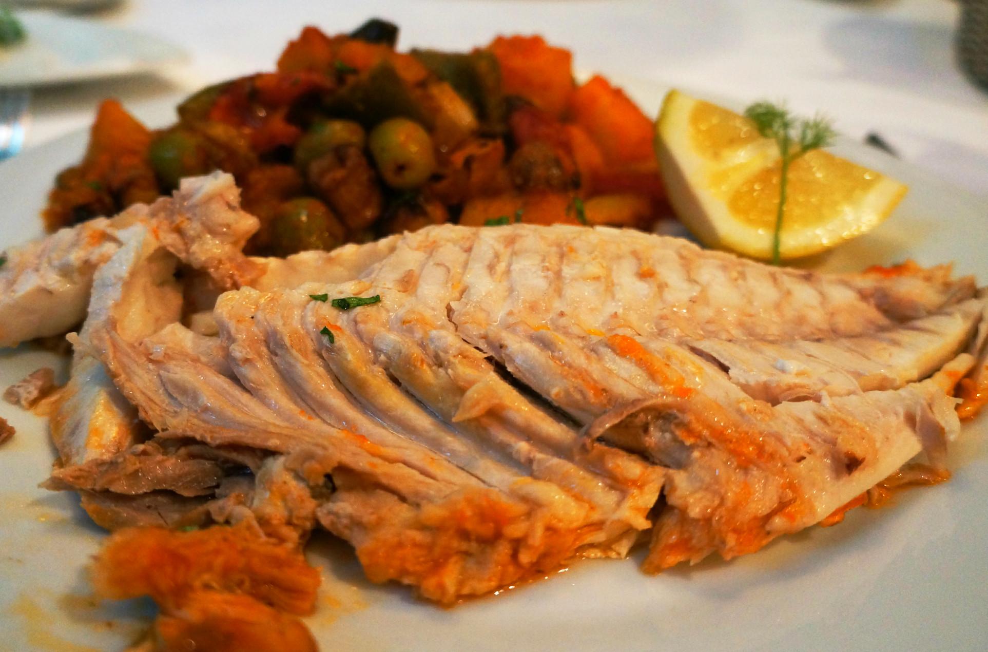 zubatac sa povrćem i mediteranskim začinima